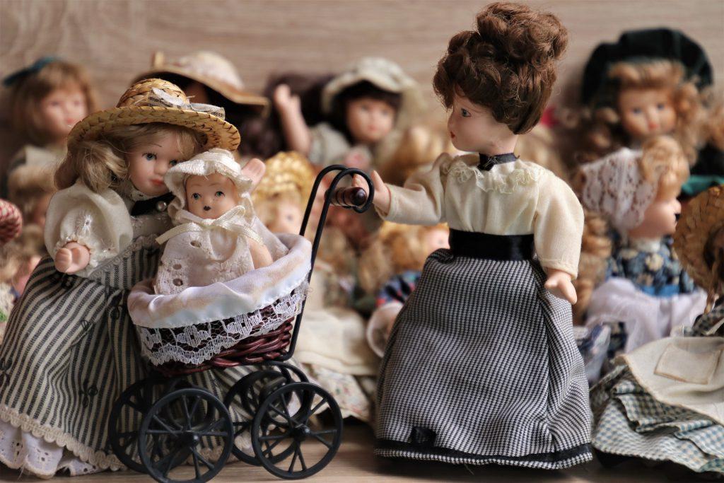 Las muñecas antiguas suelen pasar de generación a generación en una misma familia